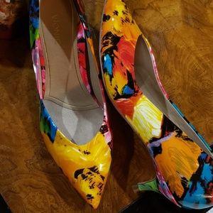 Vionic Kitten Heel Shoes, size 9